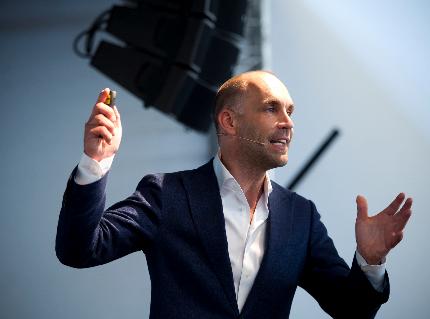 Een presentatie van Richard van Hooijdonk